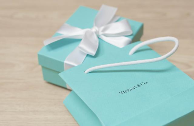 Tiffany & Co. Pledges $1 Million in Coronavirus Donations – WWD